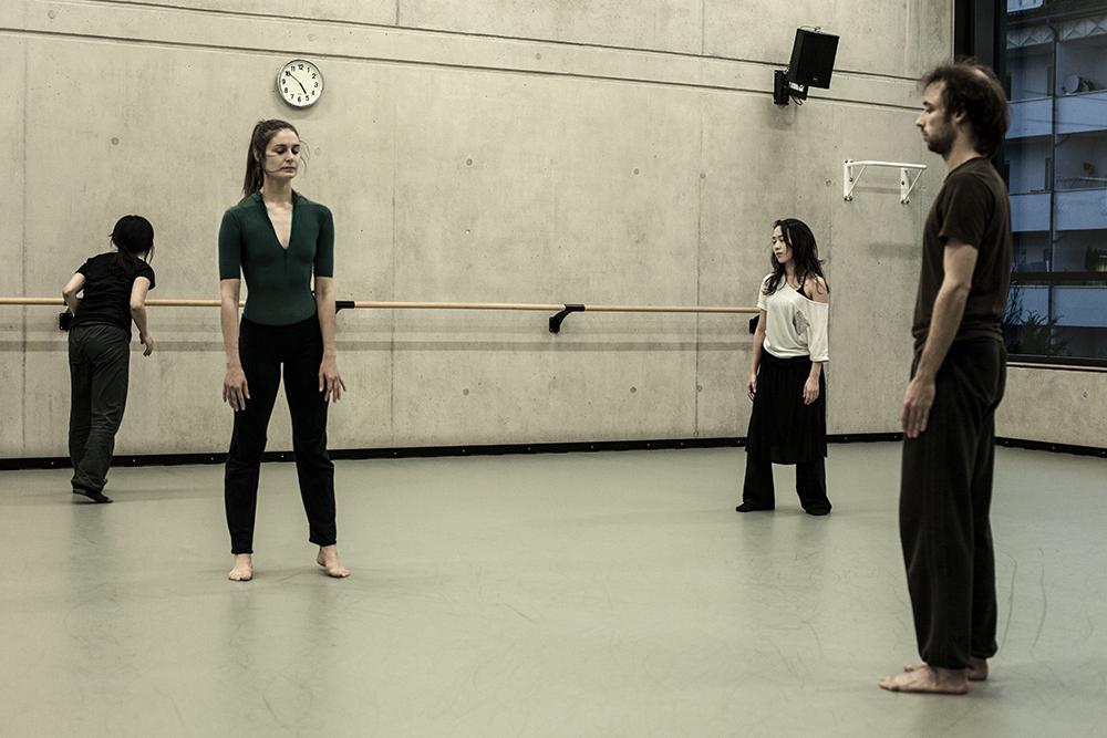 Photos for se4sons, making of, Dancer: Hiroko Ishigame, Feline Van Dijken, Sachika Matsuo, Boris Randzio, Photographer: Sofia Zwokbenkel (www.sofia-zwokbenkel.de)